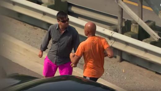 VIDEO - Toronto Road Rage in Front of Cop