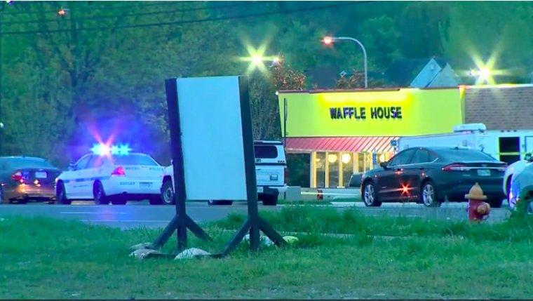 Police hunt gunman who killed four at Nashville waffle