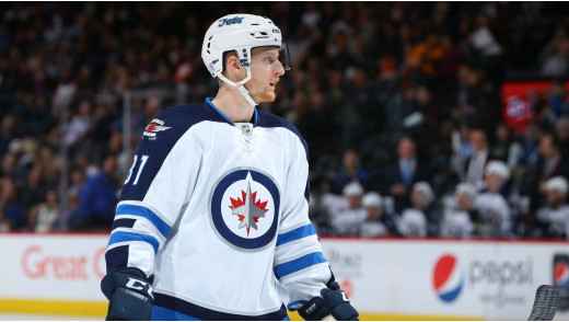 Connor Scores in Third Straight Game as Jets Down Kings