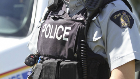 rcmp-seize-large-quantity-of-cocaine-cash-and-weapons-116636