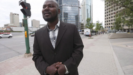 refugee-whose-fingers-froze-off-finds-hope-in-winnipeg-116889