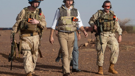 trudeau-visits-peacekeepers-in-mali-116910