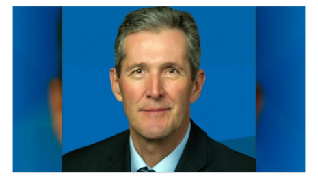 PALLISTER PAUSES PARTY