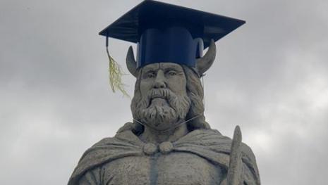 gimli-viking-graduates-118991