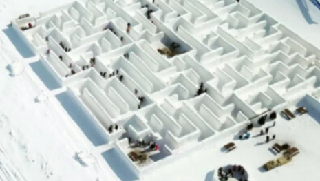 snow-maze-awaits-green-light-120304