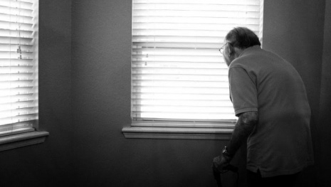 elderly-man-attacked-robbed-121455