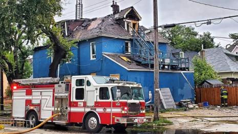 winnipeg-fire-totals-house-neighbours-evacuated-121811