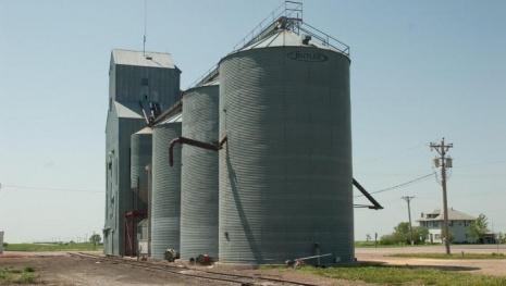 manitoba-grain-shortage-122030