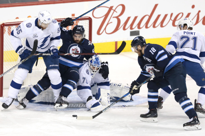 Jets Steal Thunder from Bolts in 3-1 Winnipeg Victory